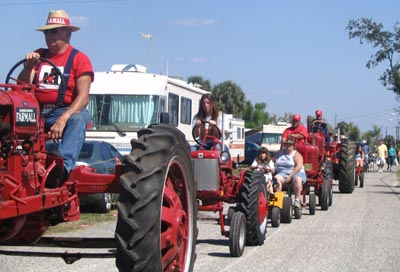 PPD-Tractor-Parade